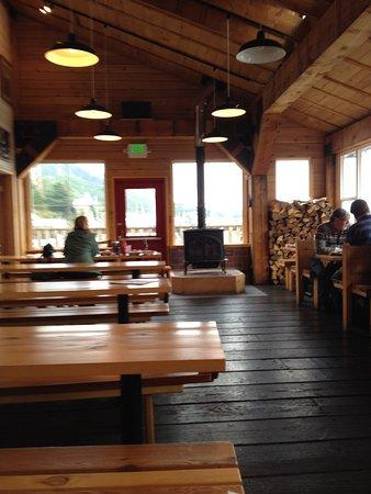 Alaska Fish House: nice casual setting
