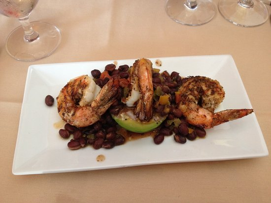 Lake Ridge Restaurant: Shrimp with grilled avocado and black bean appetizer
