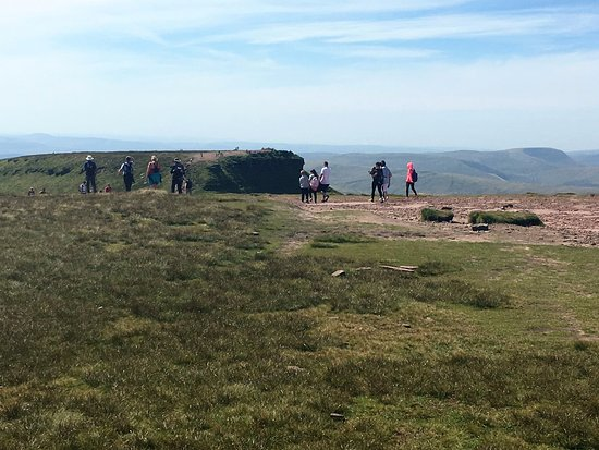 Brecon Beacons National Park, UK: Looking from Pen y Fan to Corn Ddu