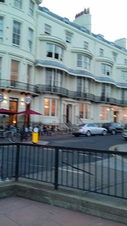 The Brighton Beach Hotel: 20160817_201158_large.jpg