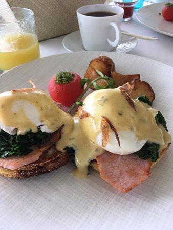Orchids: Classy breakfast dining