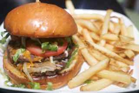 Suwanee, GA: PK Tunn Burger
