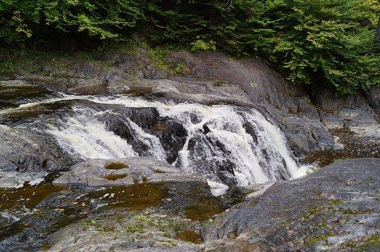 Saint Georges, Canada : Troisième chute