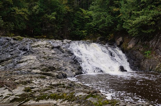 Saint Georges, Canada : Quatrième chute