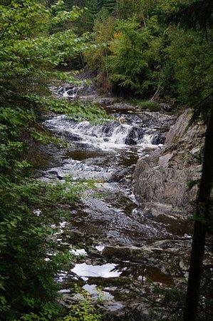 Saint Georges, Canadá: Cinquième chute