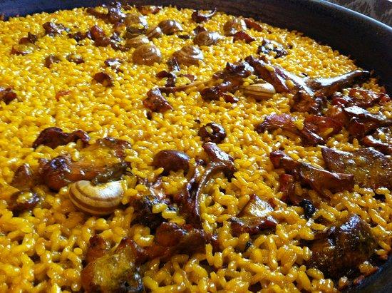 El inigualable arroz con conejo y caracoles de Paco Gandía en Pinoso