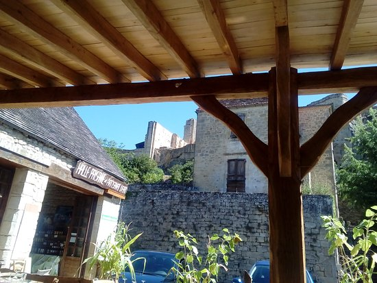 Carlux, France : La halle Paysanne