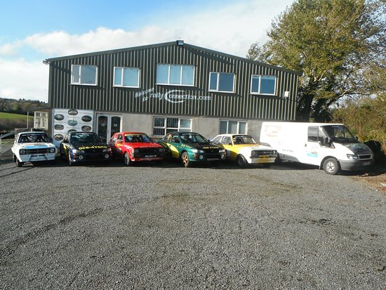 Dungarvan, Irlanda: Just waiting for some drivers !