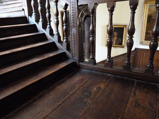 Burton Agnes, UK: Oak Stairs