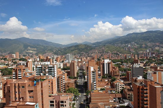 Inntu Hotel Medellin: VIEW FROM ROOFTOP