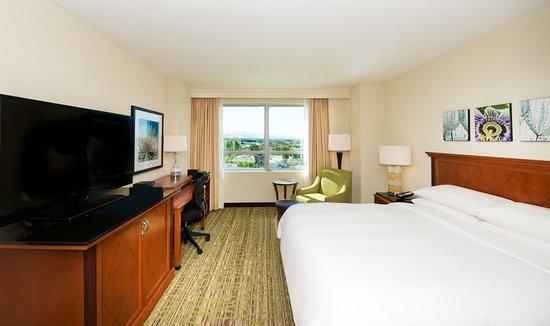Fremont, CA: King Guestroom