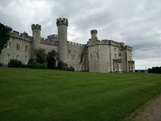 Warner Leisure Hotels Bodelwyddan Castle Historic Hotel: View from the back
