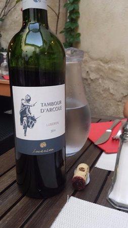 Cadenet, Francia: Local wine from Luberon