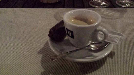 Cadenet, Francia: Coffee