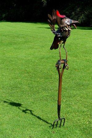 Хелмсли, UK: some fabulous sculptures!