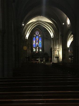 Eglise de l'Assomption: Stained glass window