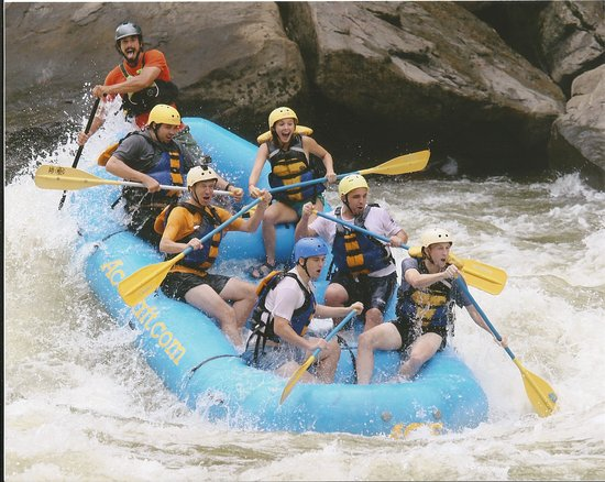Oak Hill, Virginia Barat: White water rafting the New with Ryan!!!