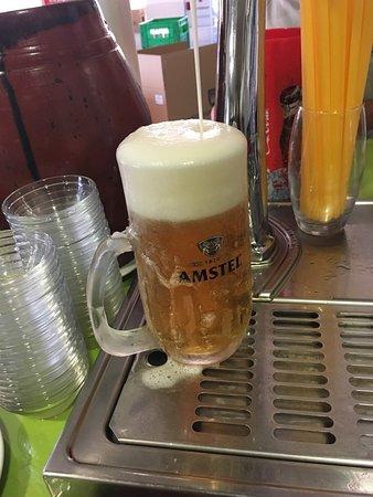 San Luis de Sabinillas, Espanha: Más tapas y cerveza MUY FRÍA...