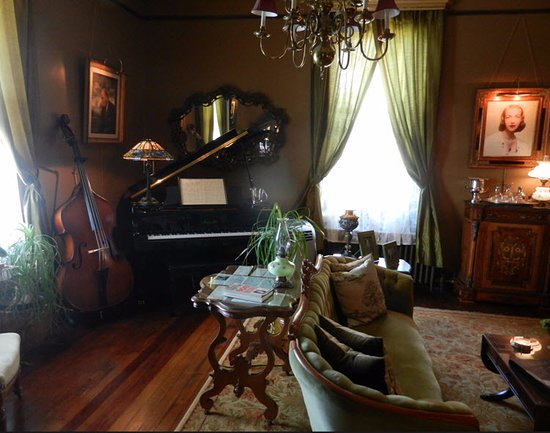 The Reynolds Mansion: The sitting room with memorabilia