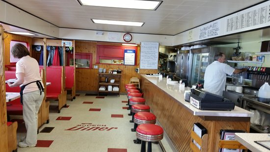 Wellsville, NY: Interior of the diner