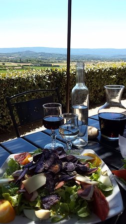 Joucas, France: Great view at lunch