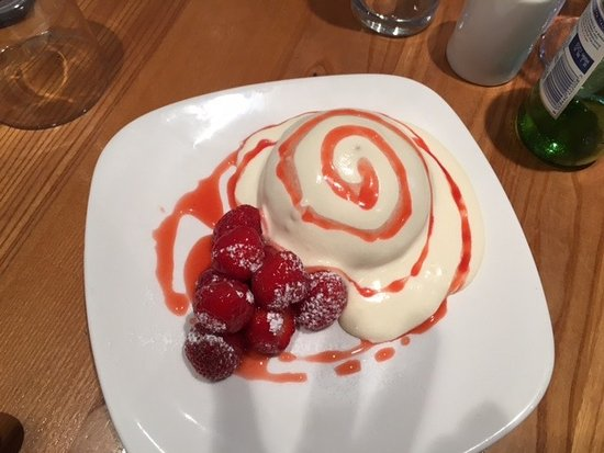 Dunblane, UK: Pavlova! Yum, yum, gone!