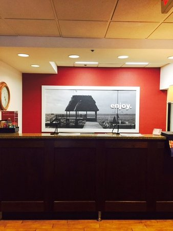 Hampton Inn Mount Dora: Front Desk