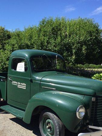 jardins de metis reford gardens vieux camion intercontinental remis neuf