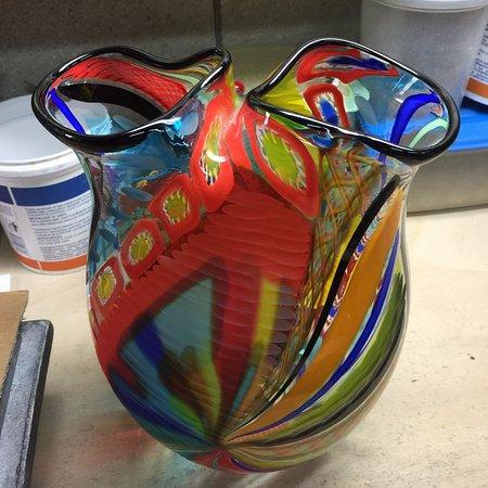 Lido di Venezia, Italia: Colourful vase.
