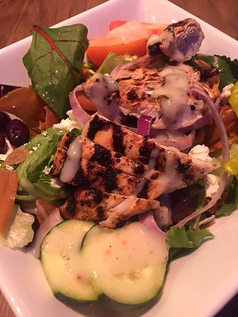 Rossford, OH: Grilled Chicken Salad