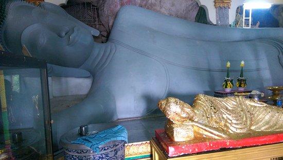 Wat Khao Yoi