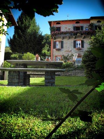 Perledo, Italia: Extérieur, vue sur la façade