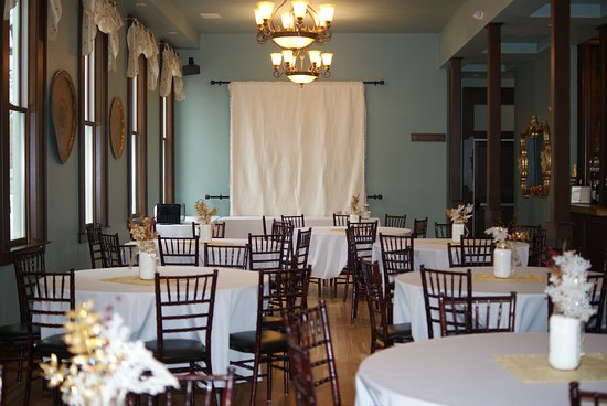 Painesville, OH: Gathering Room For Events