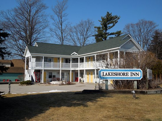 Empire Lakeshore Inn: Took this exterior picture in early spring