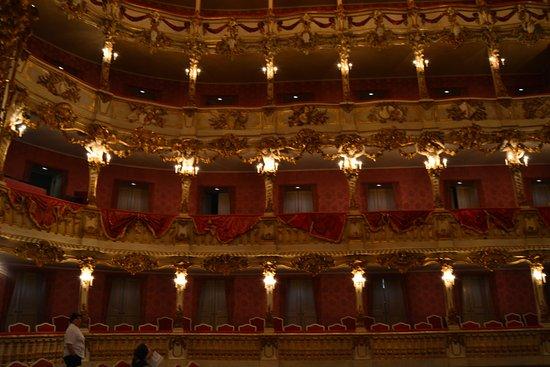 Cuvilliestheater (Altes Residenztheater): GLi ordini di palchi
