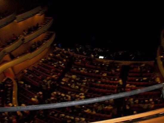 Auditorio del Sodre: vista de la sala ese mismo día, la obra: Carmen
