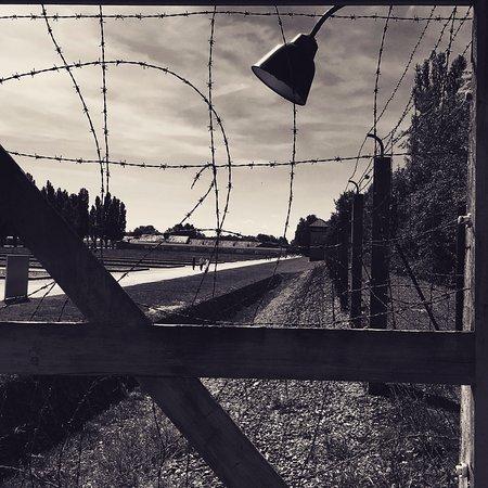 Dachau, Alemania: l'angoscia del filo spinato