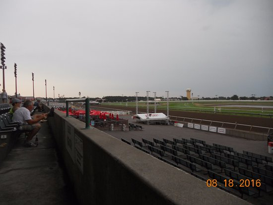 Shakopee, MN: Grandstands looking left