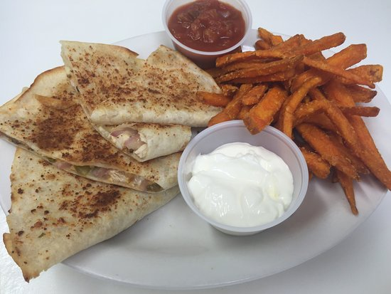 Kincardine, Canada: Home cooked meals at great prices! All day breakfast!