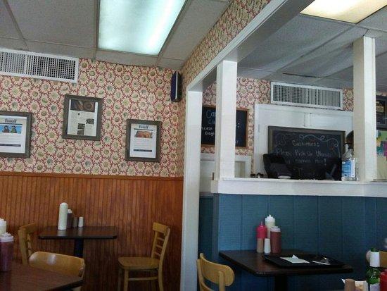 Saint Matthews, KY: Dining Area
