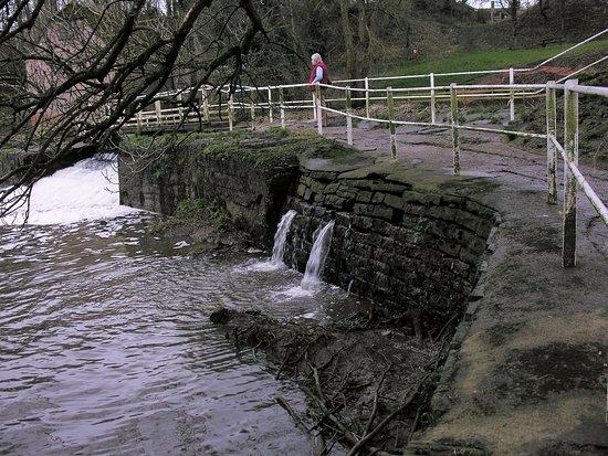 Sturminster Newton Mill: Foot path across the river bridge