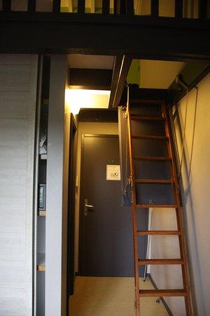 Echelle Pour Accéder à La Mezzanine Picture Of Hotel Gochoki