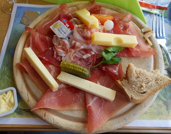 Restaurant Tournant Le Kuklos: tagliere misto....mmm che bontà