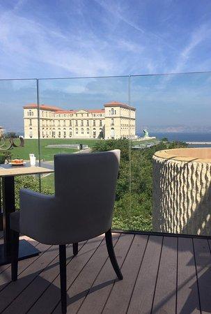 Sofitel Marseille Vieux-Port: Vue depuis la terrasse des petits-déjeuners