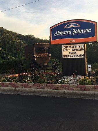 Howard Johnson Dalton: photo0.jpg
