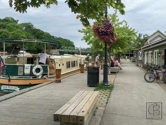 Adams Basin, Estado de Nueva York: nearby town with canal boat trips