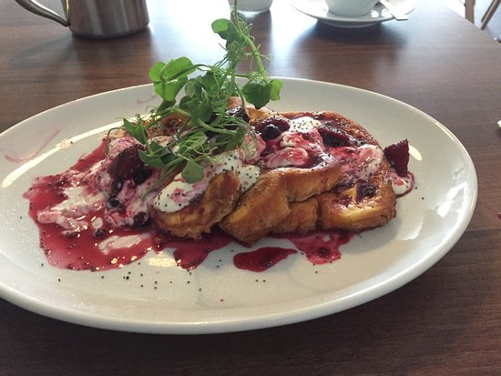 Prestwick, UK: Brioche French toast with orange yoghurt and raspberry compote
