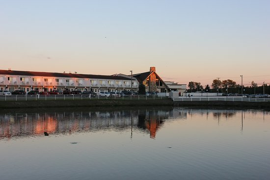 Grand Falls, Canadá: Quality Inn.Lake View