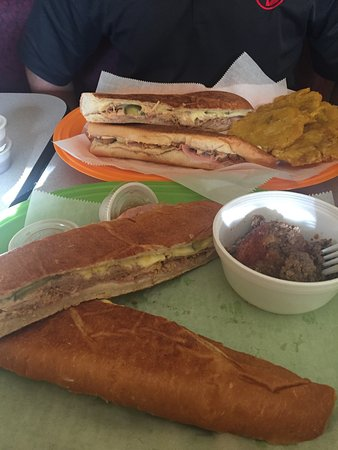Maryville, Теннесси: AMAZING Cuban sandwiches!!!