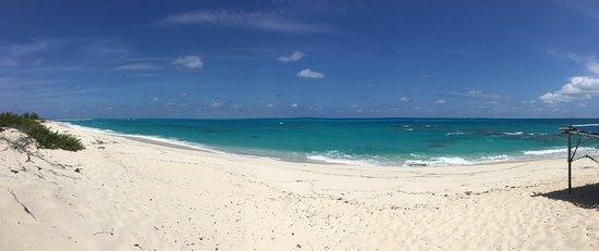 Salt Cay: Room and beach